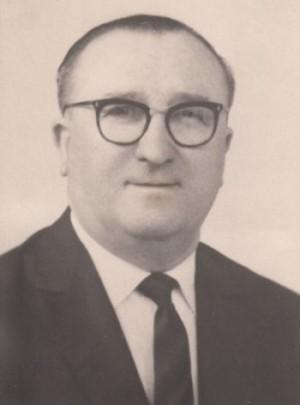 et ci-contre, son père, Marcel, employé aux usines Renault de 1930 à 1964 © Famille Lézy - Droits réservés