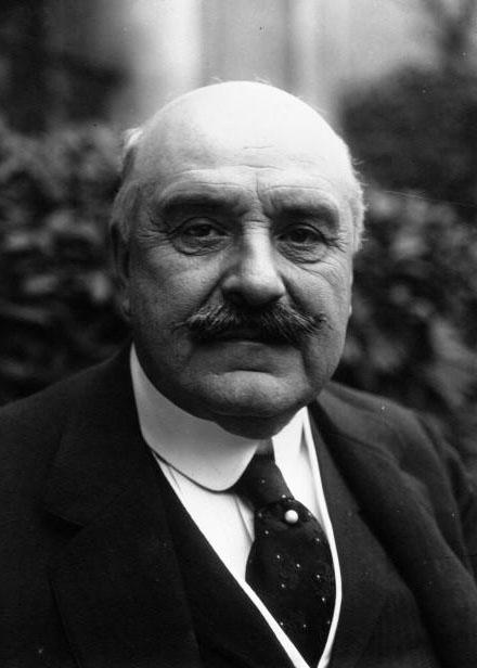Le Marquis Jules Albert de Dion (1856-1946), pionnier de l'automobile, député, gros plan : [photographie de presse] / Agence Meurisse - 1921 © BNF