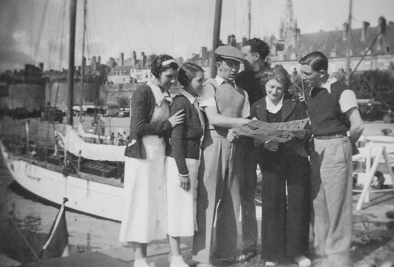 A Saint-Malo, à l'époque des premiers congés payés : Alcide Alizard est à droite sur la photo © Famille Alizard - Tous droits réservés