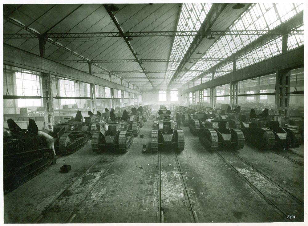 Atelier de montage des chars d'assaut © APR Droits réservés