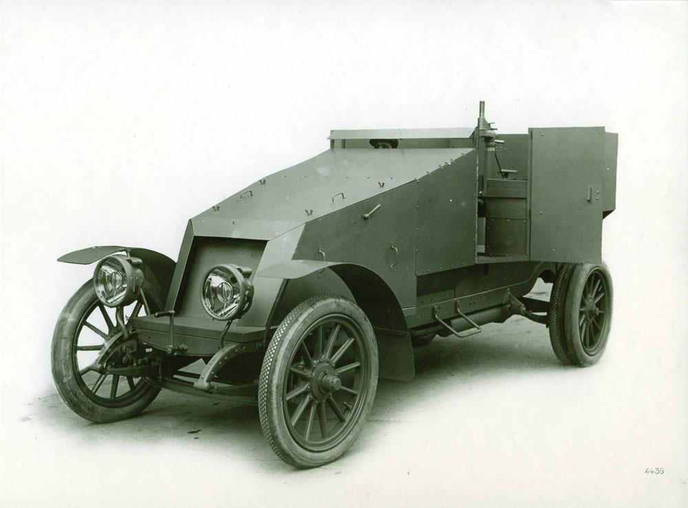 Auto-mitrailleuse 12 cv - 1914 © APR Droits réservés