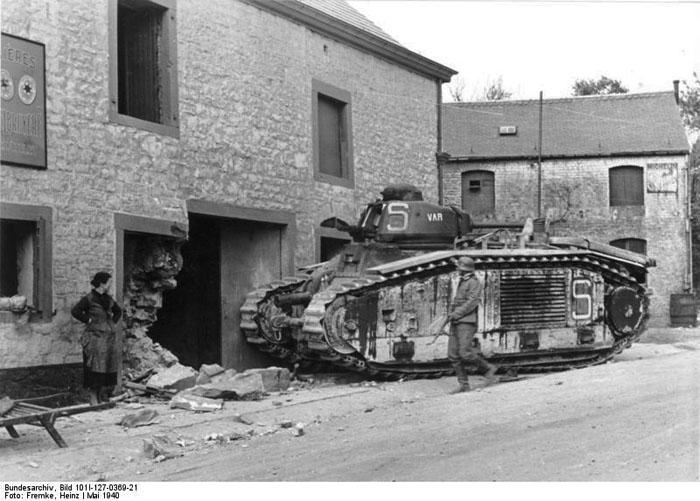 Char Renault B1 saisi par la Wehrmacht - mai 1940 - © Bundesarchiv
