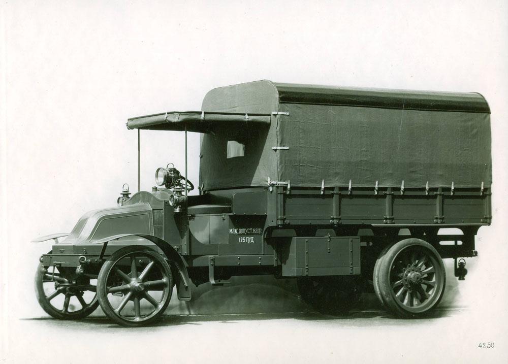Camion 16 cv type EP pour la Russie - 1915 © APR Droits réservés