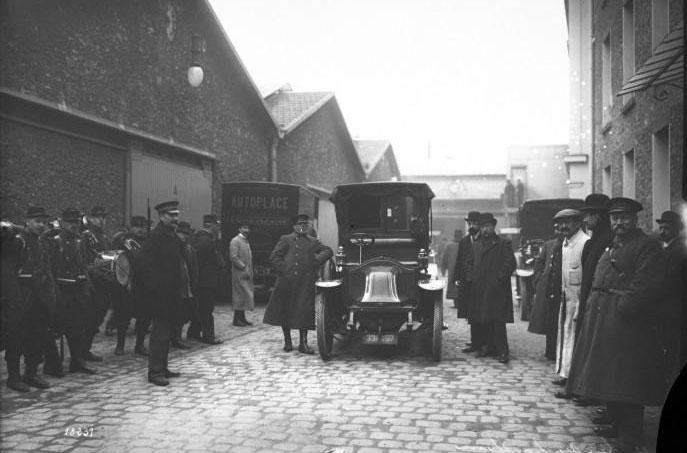 [?]-12, grève des chauffeurs : [photographie de presse] / [Agence Rol] - 1912 © BNF