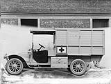 Ambulance sur châssis tourisme © Renault Histoire