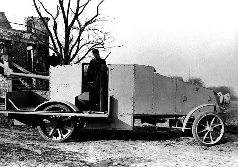 Auto-canon sur châssis camion © Renault Histoire