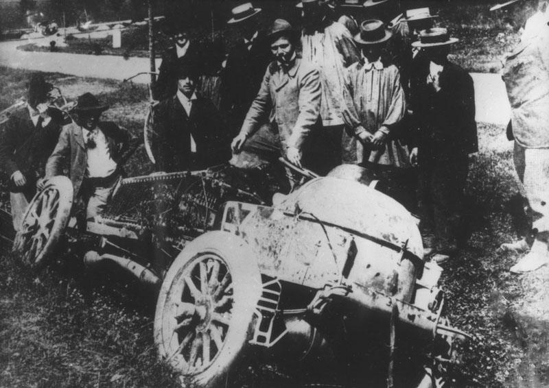 Sa voiture après l'accident de Couhé-Vérac © Renault Histoire
