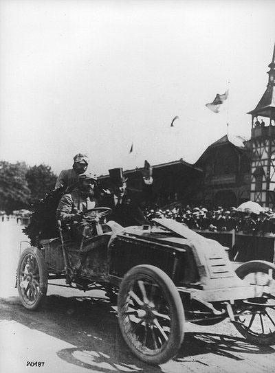 Arrivée de Marcel Renault au Prater de Vienne © Renault Histoire