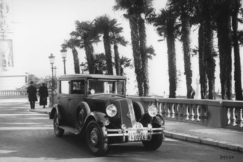 Monasix type RY2 à l'arrivée du Rallye de Monte-Carlo janvier 1928 © Renault Histoire