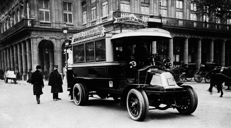 Prototype d'autobus Renault - 1909 © Renault Histoire