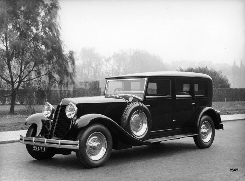 Limousine Reinastella 8 cylindres 41 cv - 1930 © Renault Histoire