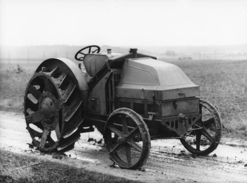 Tracteur Renault © Renault Histoire