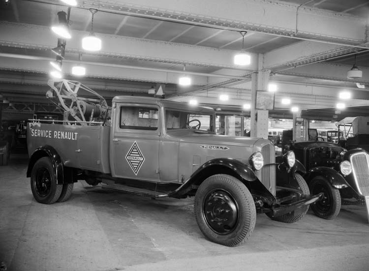 Camion Renault type ZY 2.5 tonnes - service dépannage réseau - 1934 © Renault communication / PHOTOGRAPHE INCONNU (PHOTOGRAPHER UNKNOWN) DROITS RESERVES