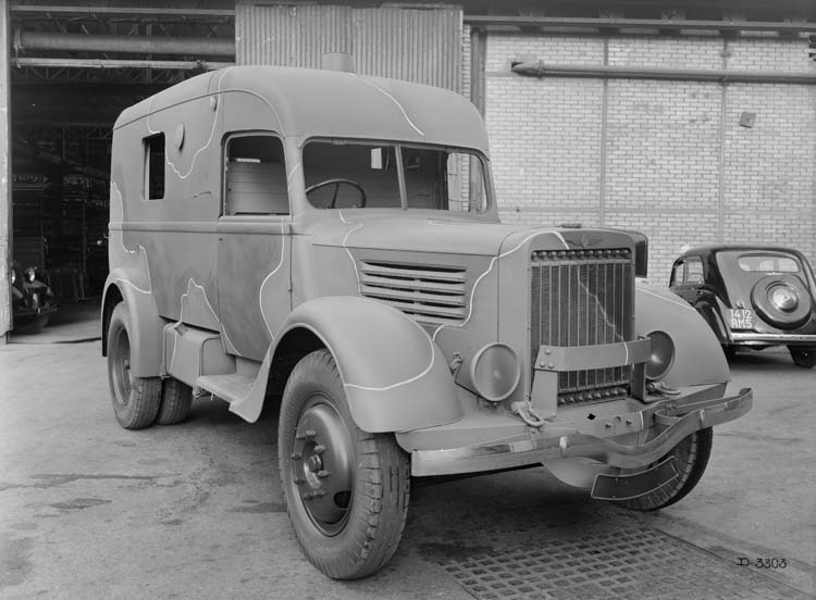Figure 149 : Camion militaire Renault type ADH 65 cv 2.5 tonnes - 1940 © Renault communication / PHOTOGRAPHE INCONNU (PHOTOGRAPHER UNKNOWN) DROITS RESERVES