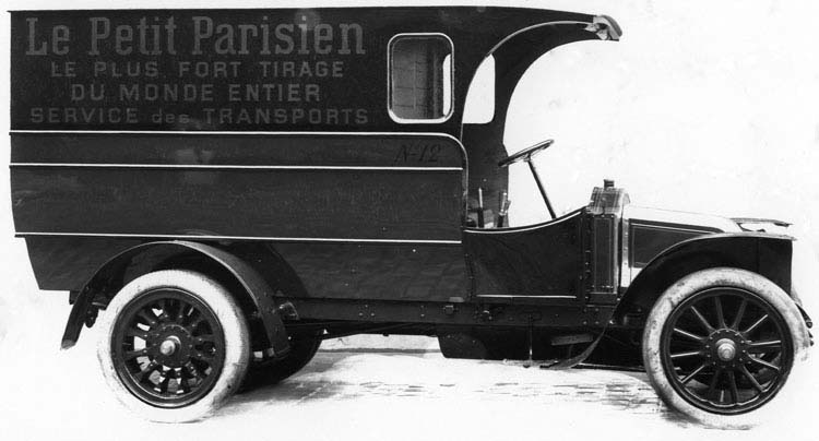 Fourgon de livraison Renault 10 cv 1500 kgs 1912 © Renault communication / PHOTOGRAPHE INCONNU (PHOTOGRAPHER UNKNOWN) DROITS RESERVES