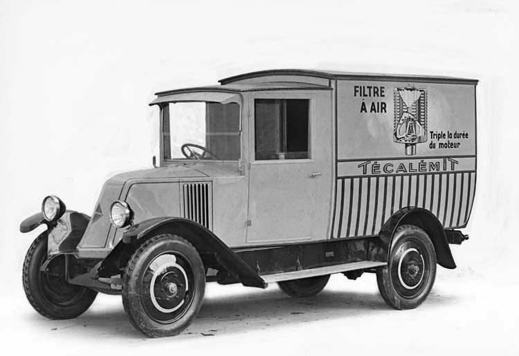 Figure 61 : Camion Renault de type PR en 1927 © Renault communication / PHOTOGRAPHE INCONNU (PHOTOGRAPHER UNKNOWN) DROITS RESERVES