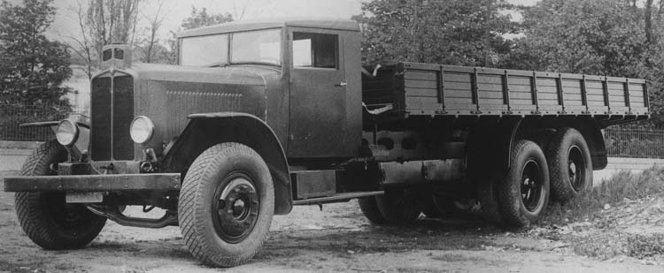 Figure 66 : Camion Renault tout terrain VTD en 1931 © Renault communication / PHOTOGRAPHE INCONNU (PHOTOGRAPHER UNKNOWN) DROITS RESERVES