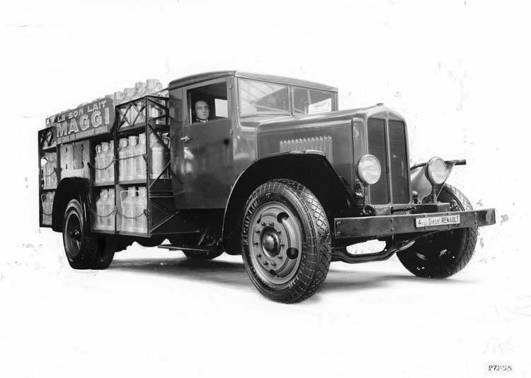 Figure 68 : Camion Renault laitier type TI 25 cv 6.5 tonnes 1932 © Renault communication / PHOTOGRAPHE INCONNU (PHOTOGRAPHER UNKNOWN) DROITS RESERVES