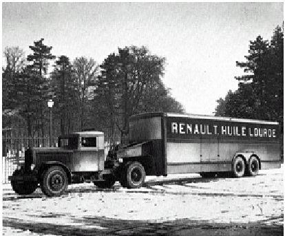 Figure 83 : Tracteur Renault semi-remorque de type TTD6B 40 cv 15 tonnes en 1933 © Renault communication / PHOTOGRAPHE INCONNU (PHOTOGRAPHER UNKNOWN) DROITS RESERVES