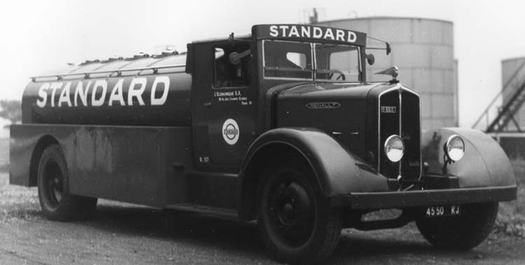 Figure 88 : Camion Renault à huile lourde type TID6 40 cv 6.5 tonnes 1934 © Renault communication / PHOTOGRAPHE INCONNU (PHOTOGRAPHER UNKNOWN) DROITS RESERVES