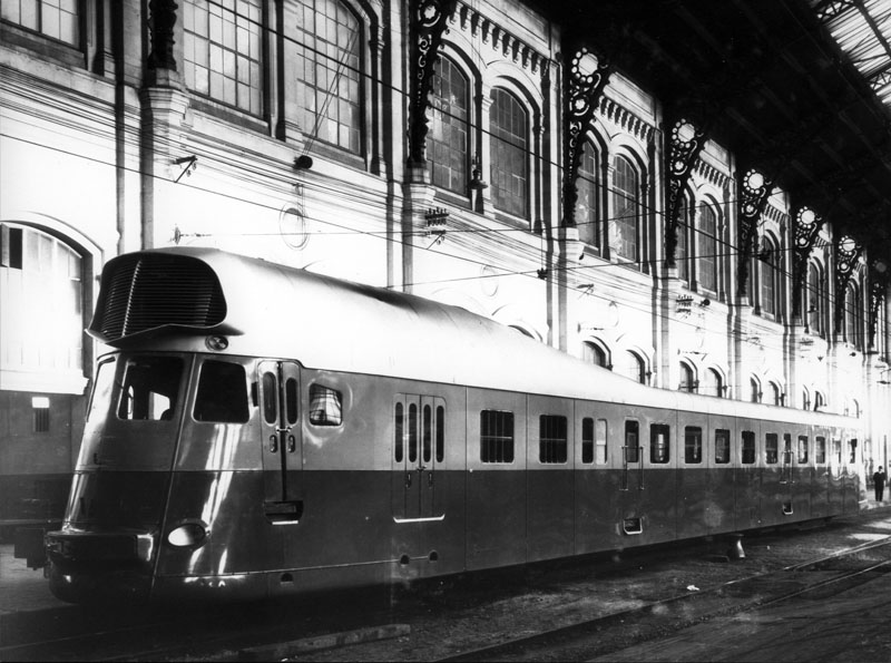 Autorail AET – 1937 © Renault communication / PHOTOGRAPHE INCONNU (PHOTOGRAPHER UNKNOWN) DROITS RESERVES