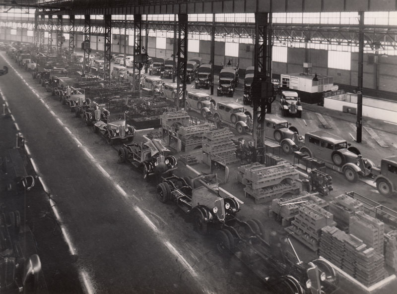 Assembly line for trucks and commercial vehicules © Archives privées Guillelmon - Tous droits réservés