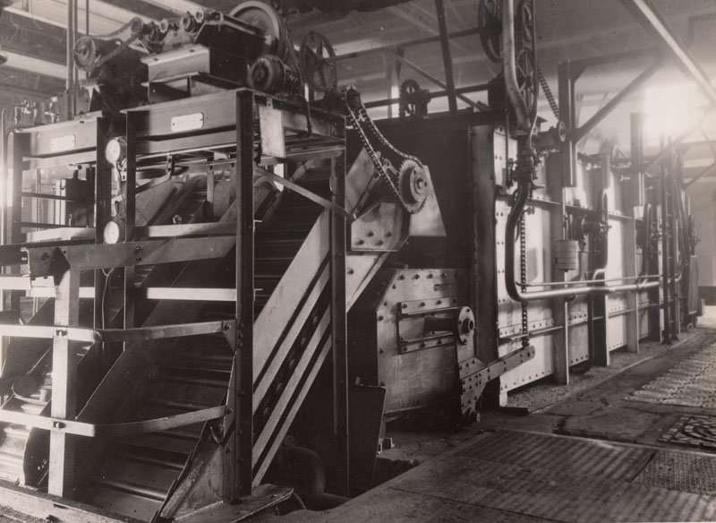 Hardening plant - quanching machine © Archives privées Guillelmon - Tous droits réservés