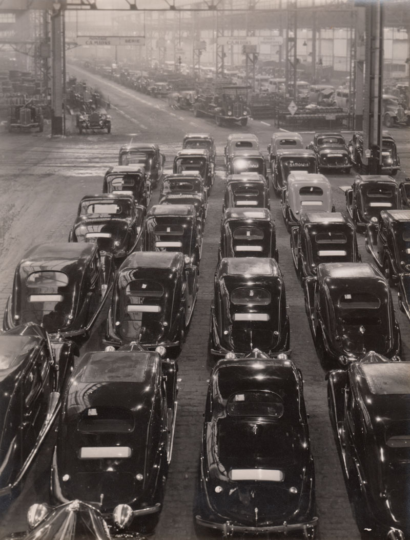 Seguin island - cars leaving the assembly line © Archives privées Guillelmon - Tous droits réservés