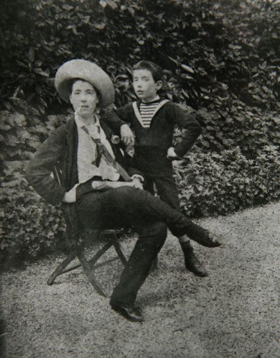 Louis Renault et sa mère © APR/Renault-Histoire