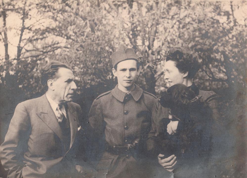 Louis, Jean-Louis et Christiane Renault en 1939 © APR/ Le Mut - Droits réservés