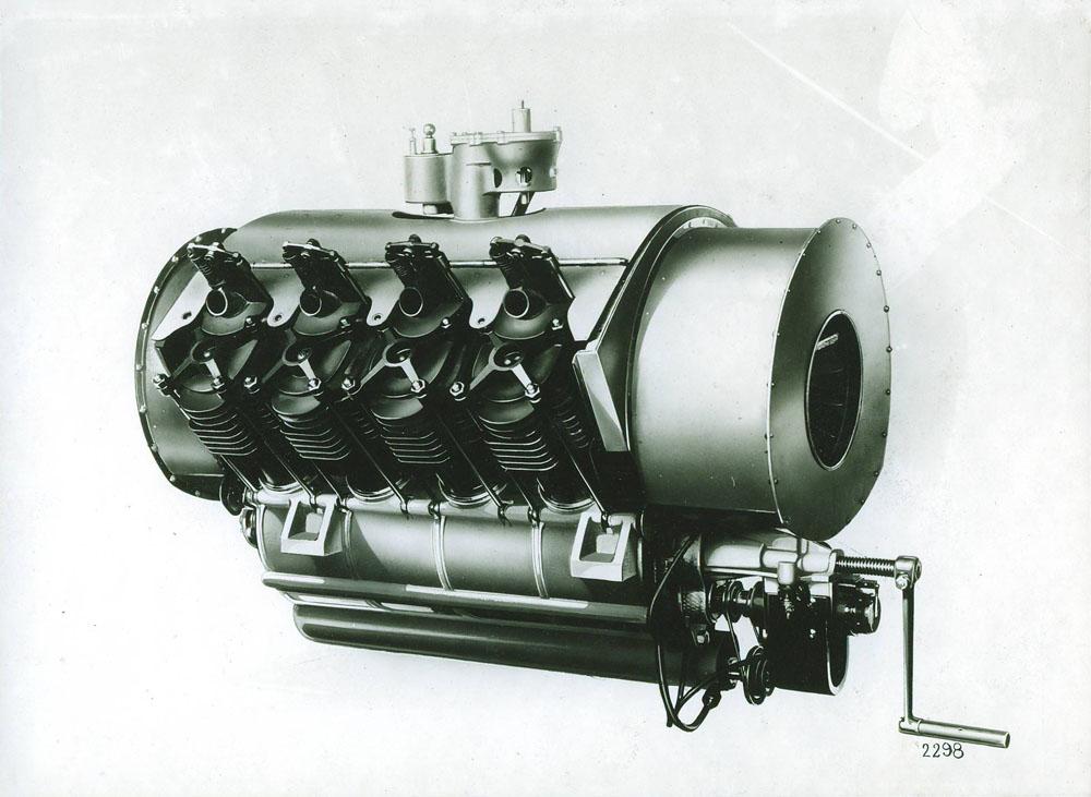 Moteur d'aviation 50 cv 8 cylindres © APR Droits réservés