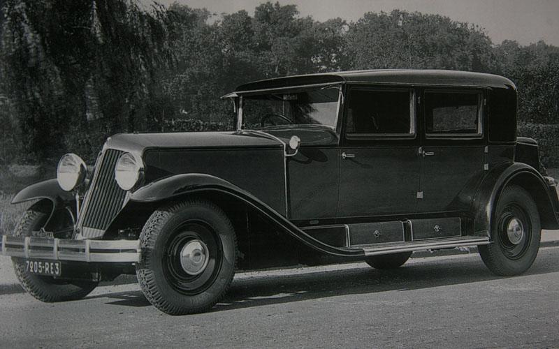 Reinastella RM1 1931 – berline usine © Renault.