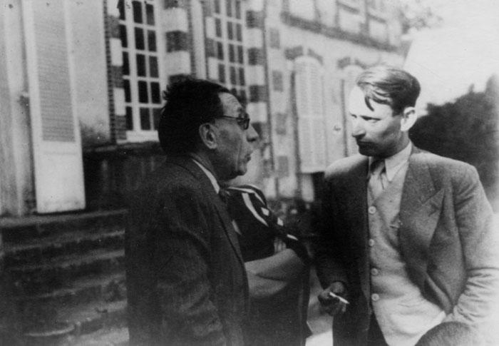 La dernière photo de Louis Renault vivant, avec le résistant Robert de Longcamp, en septembre 1944 © APR/SHGR