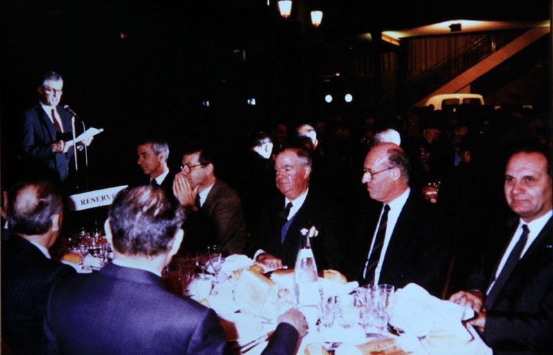 Au cercle Renault en 1980 avec ses collègues, de gauche à droite : Pierre Pardo Directeur des études automatismes et robotique, René Le Duc, Directeur de l'usine de Sandouville, Roger Vacher, directeur de l'usine de Billancourt et Max Richard, directeur de celle de Flins © Roger Vacher