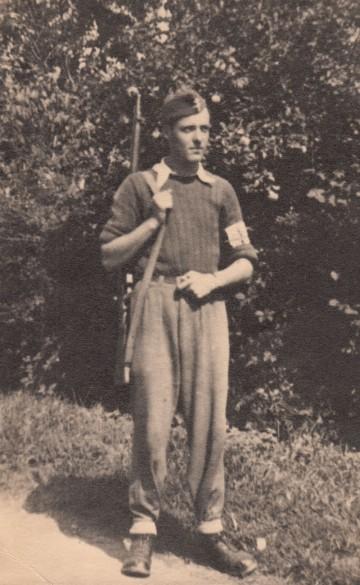 Roger Vacher en 1944 dans un maquis du Morvan © Roger Vacher – Tous droits réservés
