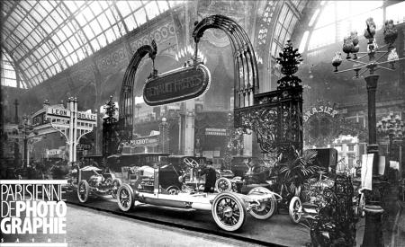 Salon de l'automobile 1908. Stand Renault. Paris, Grand Palais. ND-156427 © LL / Roger-Viollet/Paris en Images