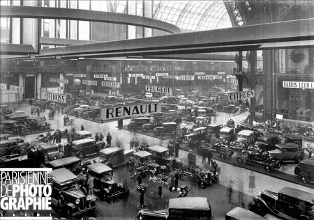 Salon de l'Automobile. Paris, 1931. RV-35693 © Maurice Branger / Roger-Viollet/Paris en Images