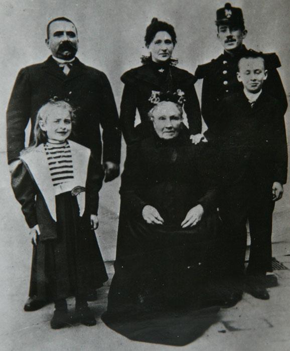 Louis Renault en famille, 1897-1898 © APR/Renault-Histoire
