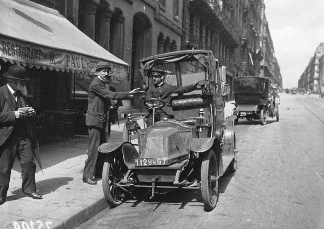 Grève des taxis : [photographie de presse] / Agence Meurisse - 1919 © BNF