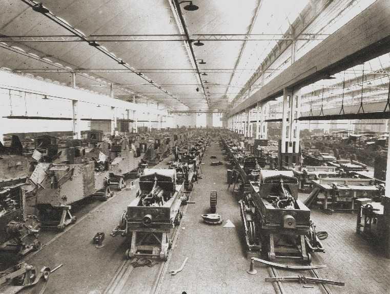 L'atelier où étaient construits en parallèle les chars et les tracteurs GP (Archives ATR)