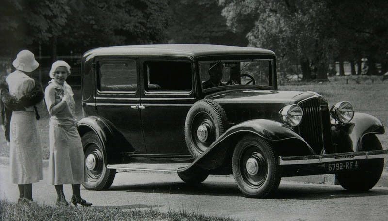Vivastella PG7 berline usine 1933 © Renault