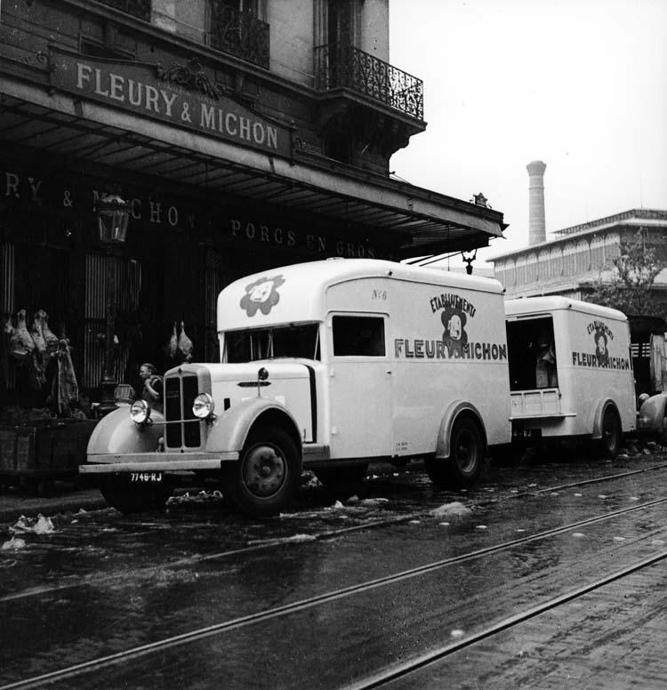 Fourgon Renault type YFC 70 cv 3.5 tonnes Fleury Michon - 1934 © Renault communication / PHOTOGRAPHE INCONNU (PHOTOGRAPHER UNKNOWN) DROITS RESERVES