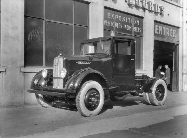 Camion tracteur Renault type YG 77 cv 6 tonnes - 1936 © Renault communication / PHOTOGRAPHE INCONNU (PHOTOGRAPHER UNKNOWN) DROITS RESERVES