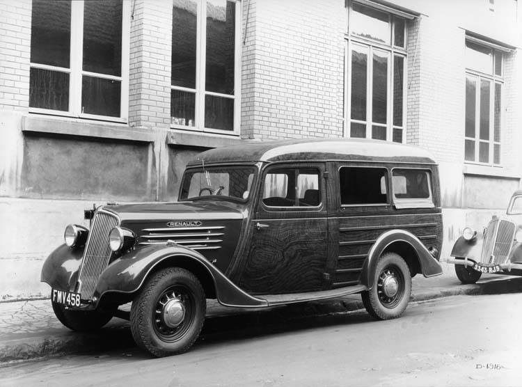 Fourgonnette break Renault type ADV 34 cv 500 Kgs - 1937 © Renault communication / PHOTOGRAPHE INCONNU (PHOTOGRAPHER UNKNOWN) DROITS RESERVES