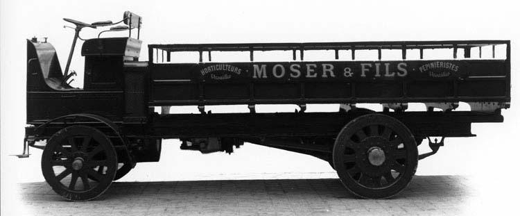 Camion plateau ridelles type FX 25 cv 5 tonnes 1911 © Renault communication / PHOTOGRAPHE INCONNU (PHOTOGRAPHER UNKNOWN) DROITS RESERVES