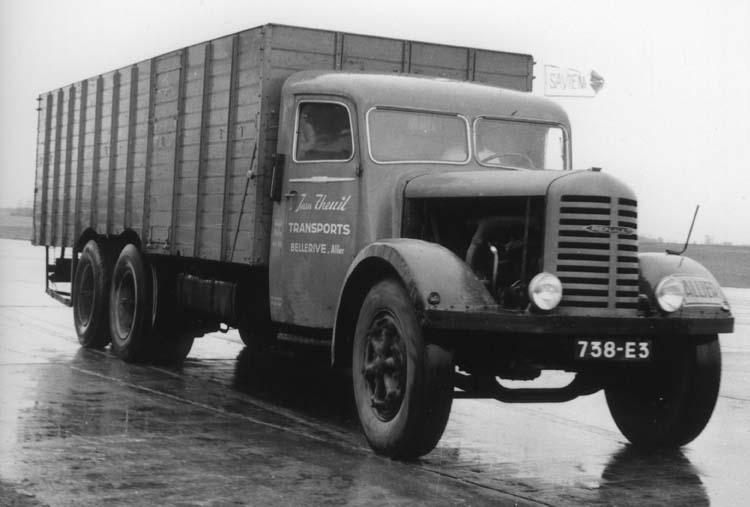 Camion Renault ty ZF6DC 130 cv 18 tonnes 1934 © Renault communication / PHOTOGRAPHE INCONNU (PHOTOGRAPHER UNKNOWN) DROITS RESERVES
